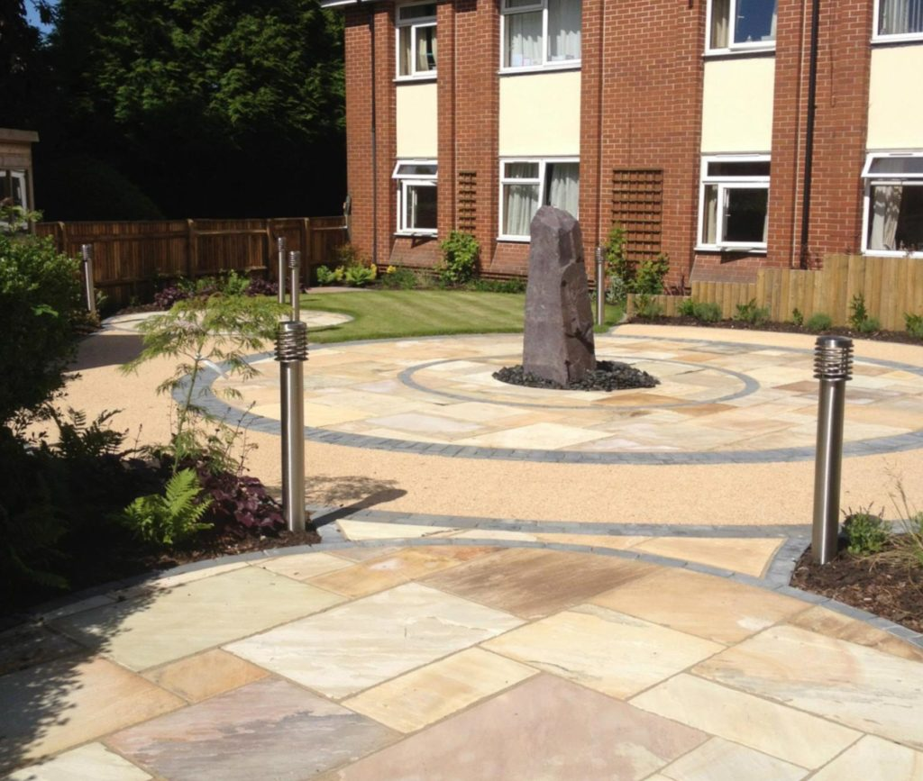 Slate Monolith and Paving in Hampshire built by Paul Cass Landscapes